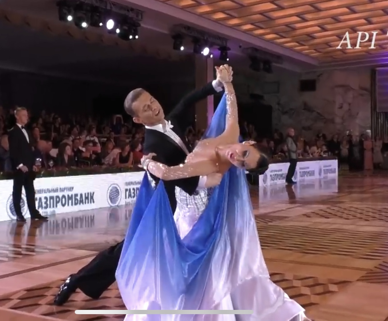 ダンス スロー 社交 社交ダンス スローフォックストロットのステップ39選一覧表